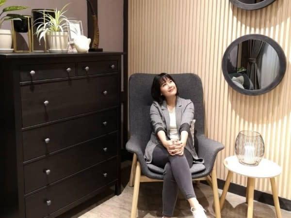 11 Potret Memukau Ardina Rasti di Usia 34 Tahun,Flawless bak Idol!