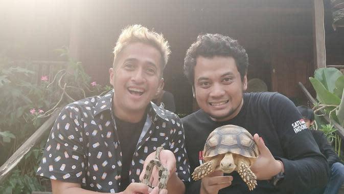 Bahkan, pria asal Bandung itu juga mengeluarkan uang yang tidak sedikit untuk perawatan dan biaya makan binatang-binatang piaraannya. (Instagram/irfanhakim75)