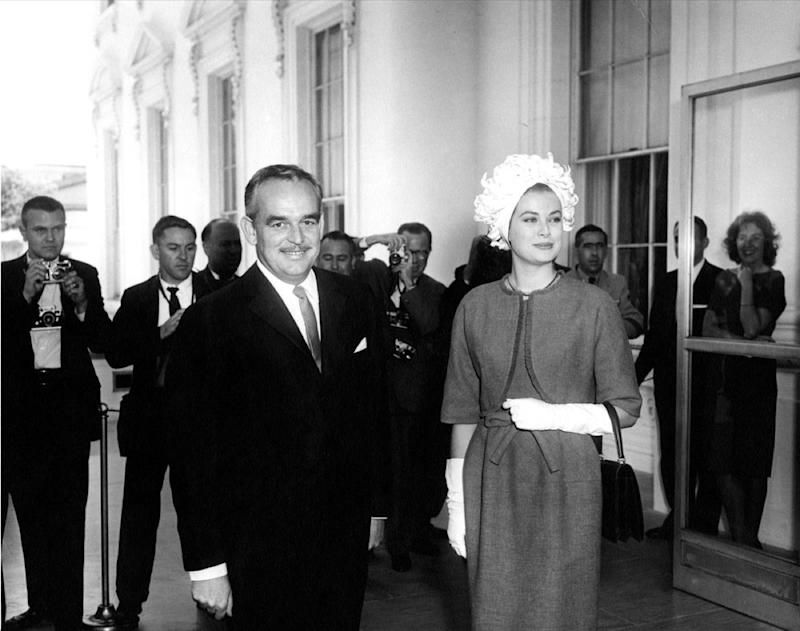 Grace Kelly wears turban in 1961 to the White House, embarrassing style