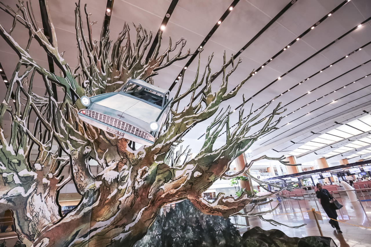 <p>Fans get a rare chance to capture a photo of a Whomping Willow, just like the one planted in Hogwarts' grounds. Picture: Supplied, Changi Airport. </p>