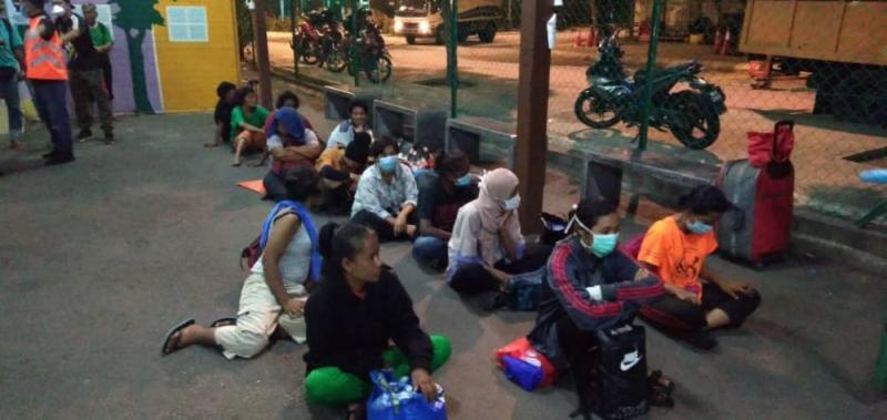 Authorities found 183 individuals loitering in several areas of Kuala Lumpur. ― Picture via Facebook/Dewan Bandaraya Kuala Lumpur