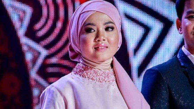 Eva LIDA 2020 Pulang Kampung Disambut Warga Berdesakan, Netizen Geram
