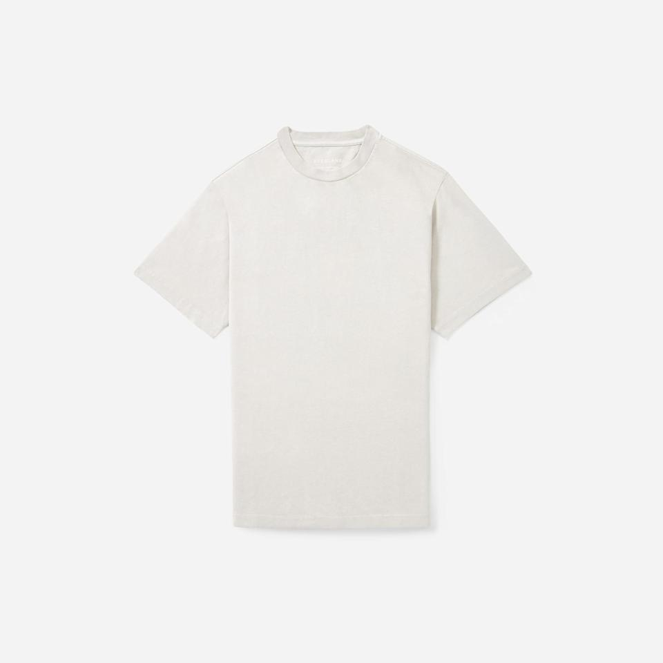 """<p><strong>Everlane</strong></p><p>everlane.com</p><p><strong>$32.00</strong></p><p><a href=""""https://go.redirectingat.com?id=74968X1596630&url=https%3A%2F%2Fwww.everlane.com%2Fproducts%2Fmens-hvywt-rlxd-crew-moonrock&sref=https%3A%2F%2Fwww.esquire.com%2Fstyle%2Fmens-fashion%2Fg31452088%2Feverlane-choose-what-you-pay-sale%2F"""" target=""""_blank"""">Buy</a></p><p>Tired: regular weight tees. Wired: PREMIUM weight tees.</p>"""