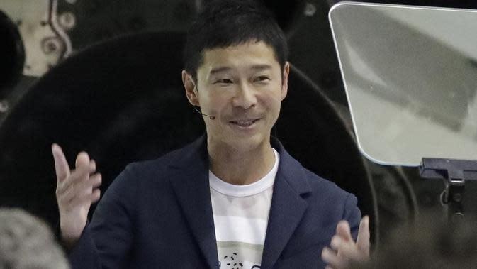 Miliarder Jepang, Yusaku Maezawa, dinobatkan sebagai penumpang pribadi pertama dalam perjalanan roket milik Elon Musk yang keliling Bulan. (Chris Carlson / AP)