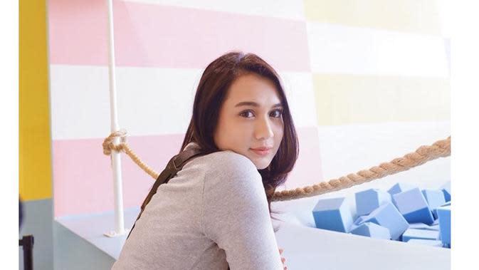 Fokus Karier, Ini 6 Potret Terbaru Dea Annisa yang Makin Menawan (sumber: Instagram.com/deaaannisa)