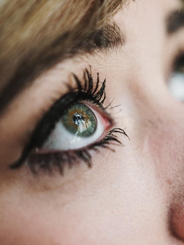 ilustrasi mascara dan eye liner/pexels