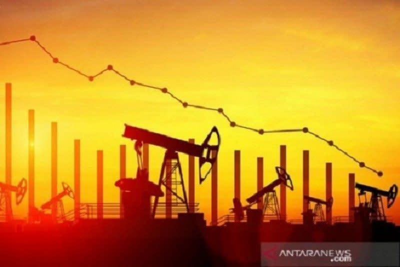 Harga minyak jatuh ketika pasokan AS, Libya, Norwegia mulai beredar