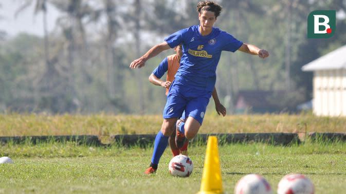 Pemain baru Arema asal Brasil, Hugo Guilherme Grillo. (Bola.com/Iwan Setiawan)