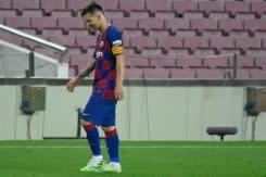 Messi cetak gol ke-700 tetapi hasil imbang Atletico merusak asa gelar Barca