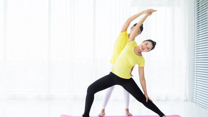 Ilustrasi yoga dan pilates