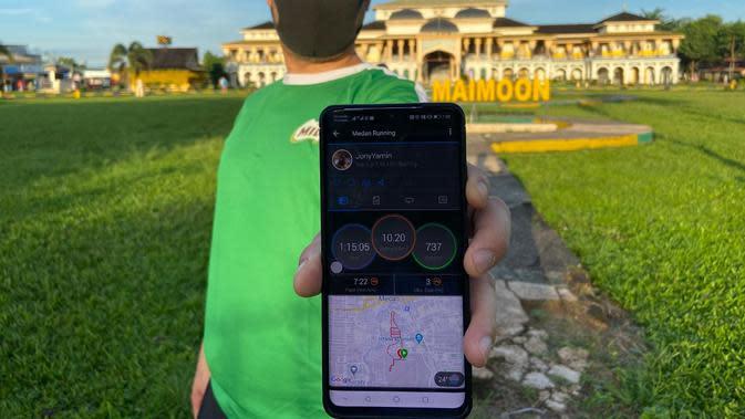 Peserta MILO Indonesia Virtual Run menunjukkan hasil lari dari aplikasi tracker yang akan diunggah ke situs www.milo.co.id./dok. Milo