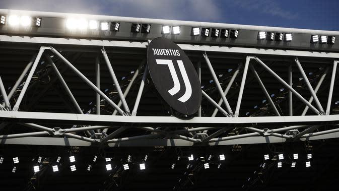 Logo dan ilustrasi Juventus. (AFP/Marco Bertorello)