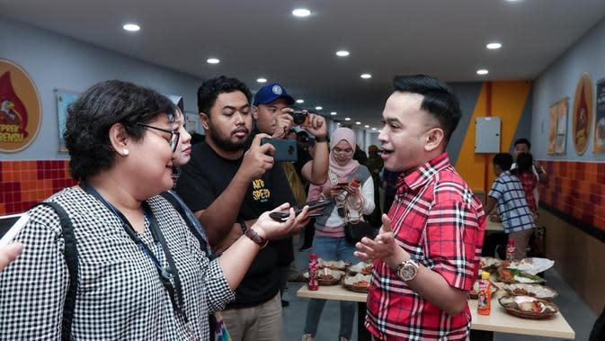 Ruben Onsu dan Jordi Onsu buka gerai Ayam Geprek di Malaysia
