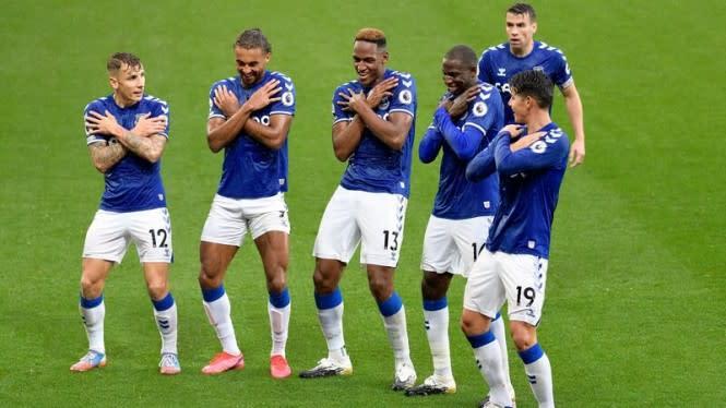 Derby Merseyside Membara, 19 Menit Everton dan Liverpool Berbalas Gol