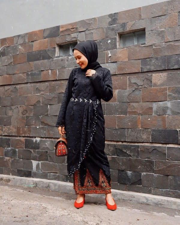 8 Kebaya ala Influencer Nissa Chair, Inspirasi Wisuda hingga Kondangan
