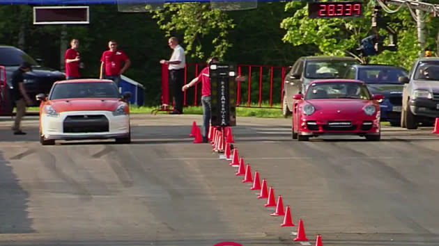 1,100-hp Nissan GT-R vs. 950-hp Porsche 911 drag race settles what you'd expect