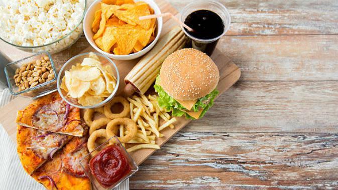 Ilustrasi makanan cepat saji atau fast food. (iStock)