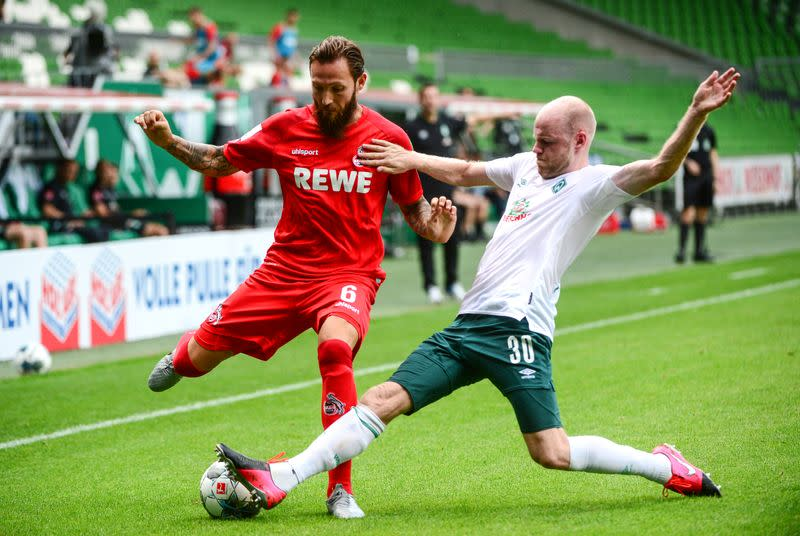 Six-goal Werder Bremen avoid automatic relegation