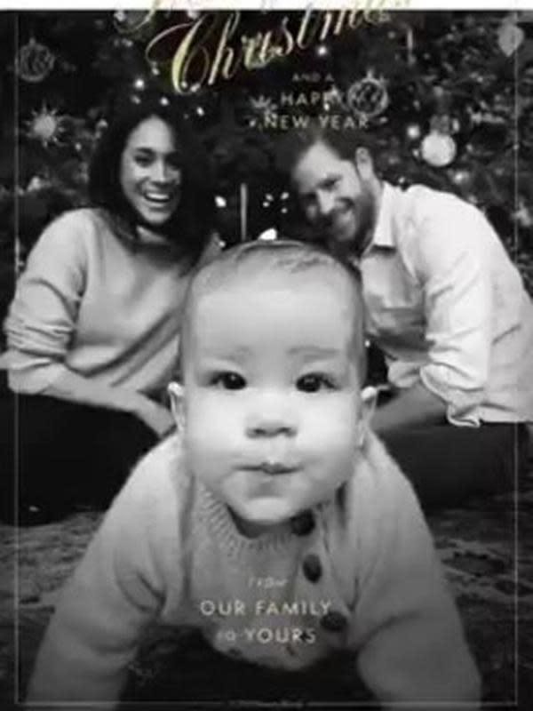 Kartu Natal 2019 pasangan Pangeran Harry dan Meghan Markle yang juga memperlihatkan anak mereka, Archie Harrison. (dok. Twitter @queenscomtrust)