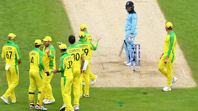 Australian players react as Jason Roy remonstrates with umpires over the awful call. (Photo by Clive Mason/Getty Images)