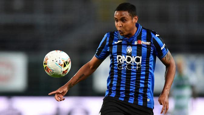 Penyerang Atalanta, Luis Muriel, tampil gemilang di Serie A 2019-2020 dengan torehan 18 gol. (AFP/Miguel Medina)