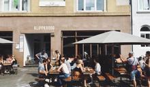 封城 7 個月後,德國人終於坐上餐廳椅子