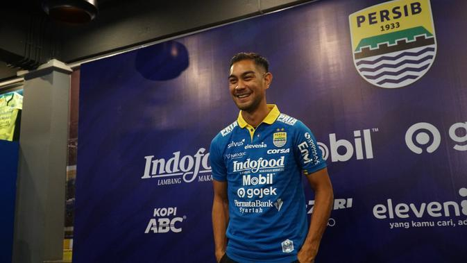 Pemain asal Filipina, Omid Nazari diperkenalkan oleh klub Persib Bandung. (Liputan6.com/Huyogo Simbolon)