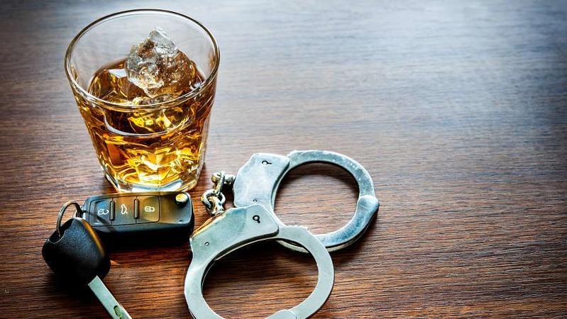 有人主張酒駕致人於死應該比照殺人罪論處,你是否同意?