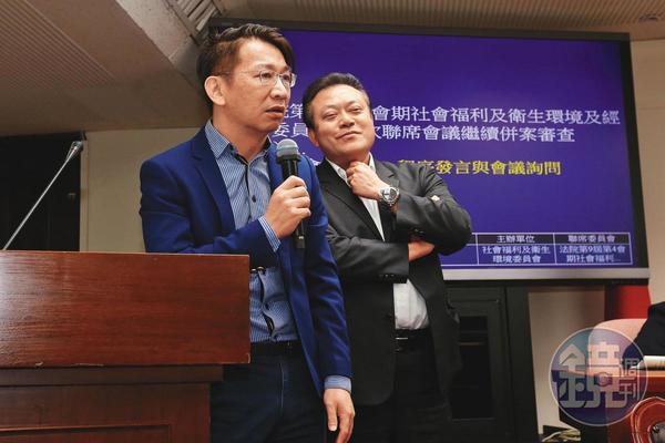 徐永明(左)與蘇震清(右)捲入SOGO收賄案,訊後徐永明獲80萬交保,蘇震清則被羈押禁見。