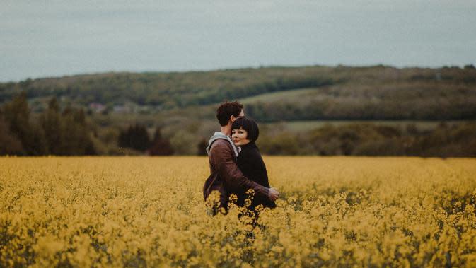 relationship | pexels.com/@flora-westbrook-820907