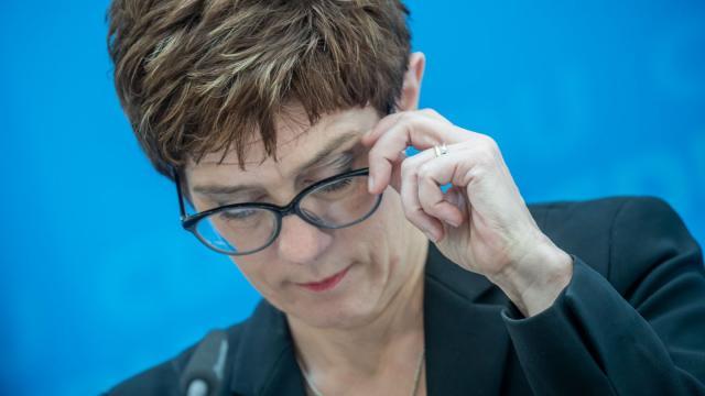 CDU-Chefin Annegret Kramp-Karrenbauer: Die Union erreicht mit 24 Prozent der Stimmen ihr historisch schlechtestes Ergebnis. Sie fällt sogar unter die Werte aus der Zeit des CDU-Spendenskandals im Jahr 2000. Foto: Michael Kappeler