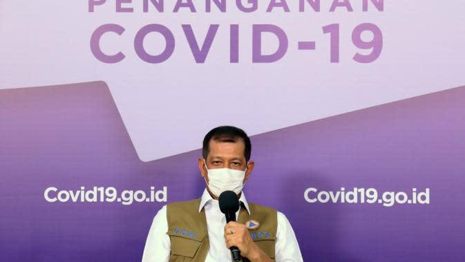 Ketua Satgas COVID-19 Doni Monardo menjelaskan Indonesia menerapkan PSBB, bukan lockdown saat dialog di Media Center COVID-19, BNPB, Jakarta, Minggu (13/9/2020). (Tim Komunikasi Satgas COVID-19)