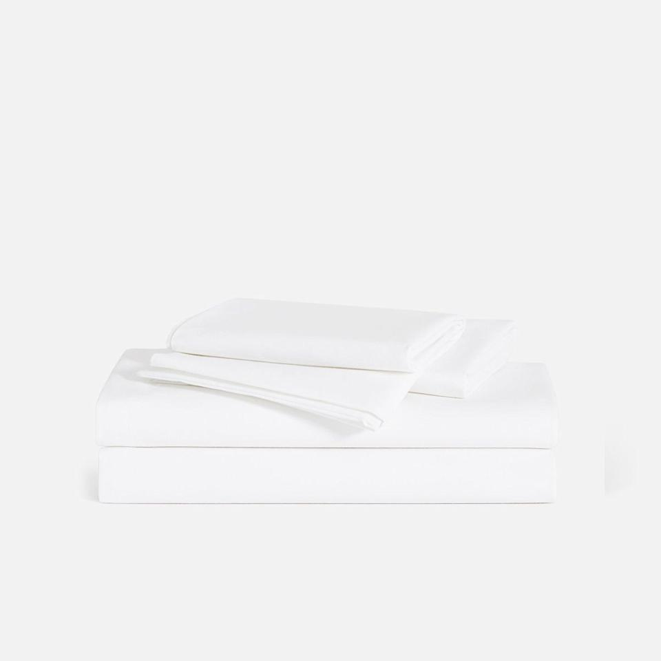 """<p><strong>Brooklinen</strong></p><p>brooklinen.com</p><p><strong>$168.30</strong></p><p><a href=""""https://go.redirectingat.com?id=74968X1596630&url=https%3A%2F%2Fwww.brooklinen.com%2Fproducts%2Fclassic-hardcore-sheet-bundle&sref=https%3A%2F%2Fwww.esquire.com%2Flifestyle%2Fg34371110%2Fbrooklinen-amazon-prime-day-sale-2020%2F"""" target=""""_blank"""">Buy</a></p><p>Want to dip your toes into Brooklinen, but have no idea where to start? You can't go wrong with the brand's classic percale. These crisp, lightweight sheets will be the hero of your bed year-round.</p>"""