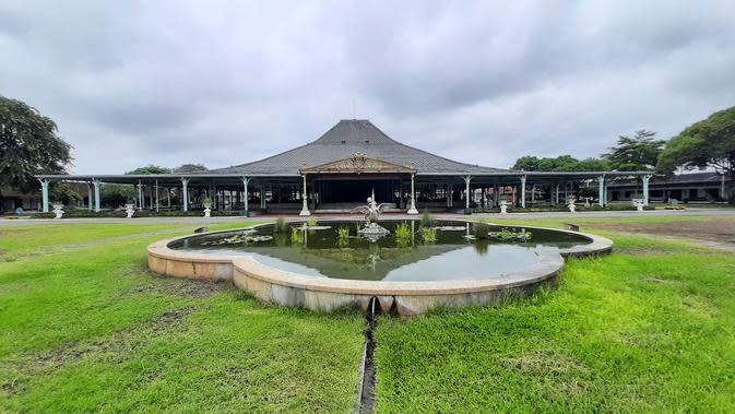 Istana Pura Mangkunegaran di Kota Solo yang juga menjadi pusat budaya Jawa.(Liputan6.com/Fajar Abrori)