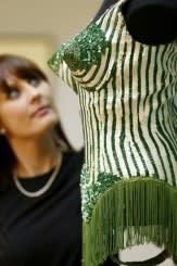 Legenda  fesyen Jean-Paul Gaultier mengucapkan salam perpisahan dengan penuh gaya