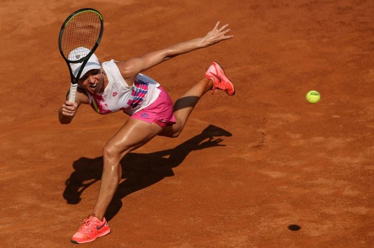 Top seeds Halep, Pliskova into last eight in Rome