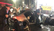 新北蘆洲警匪追逐 犯嫌撞公車計程車就逮 (圖)