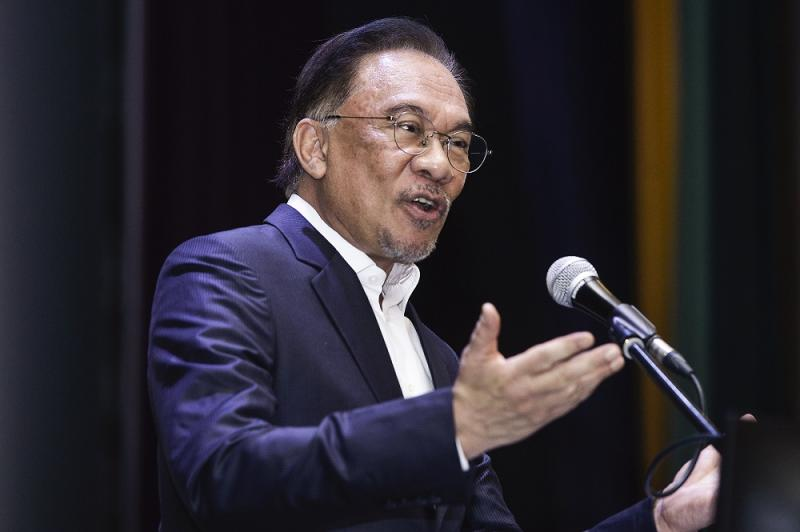 PKR president Datuk Seri Anwar Ibrahim said the RM250 billion package Prime Minister Tan Sri Muhyiddin Yassin announced last week was reasonable but must still be presented to Parliament. — Picture by Miera Zulyana