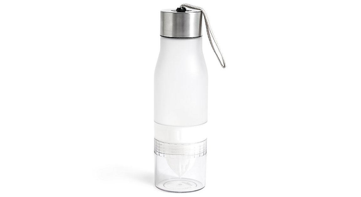 """This handy water bottle is small enough to carry around with you but also big enough to fit slices of fruits to infuse your water for a delicious way to stay hydrated. <a href=""""https://fave.co/2y50E72""""><strong>Buy now.</strong></a>"""