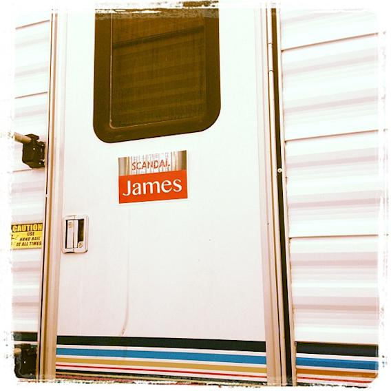 Good morning #Scandal!! Thanks for the new name on my door ! So great to see my hubby @jscandalp again!