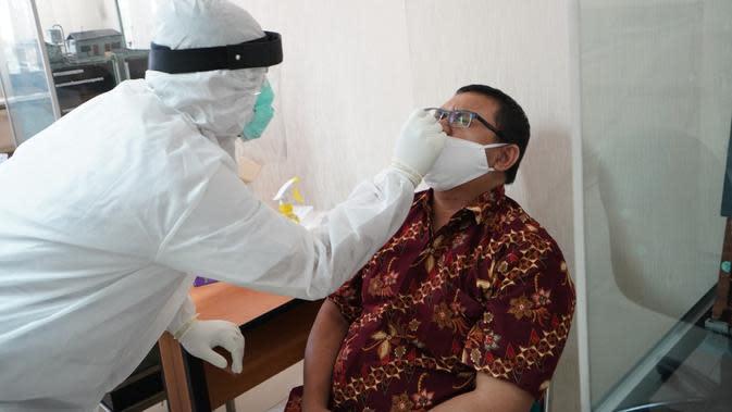 Cegah Klaster Covid-19 di Kantor, Pegawai PEP Bandung Jalankan Swab Test