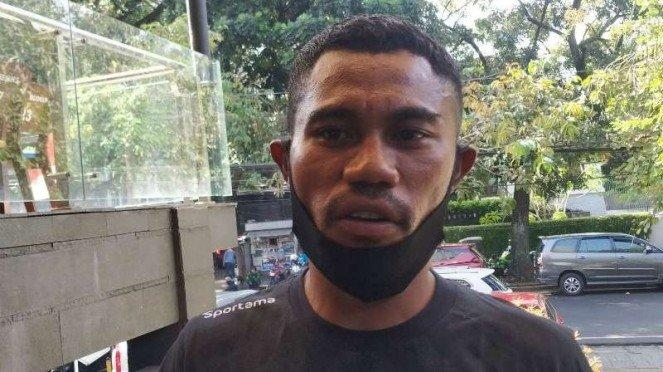 Bek Persib Bandung, Ardi Idrus.