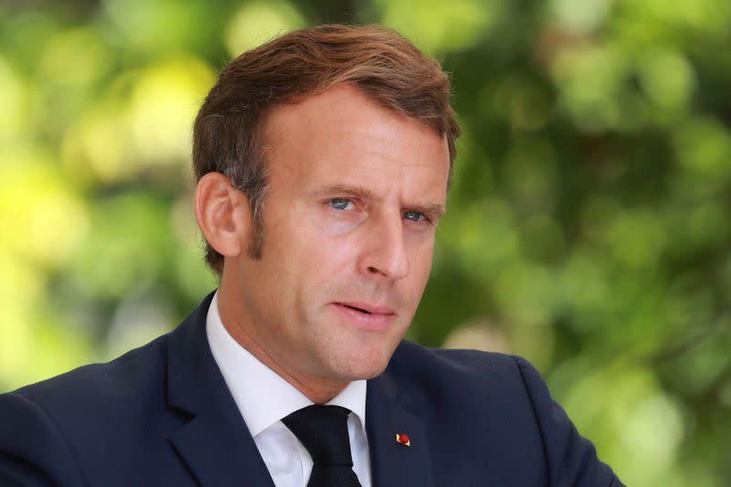 Macron presses Lebanese politicians as cabinet deadline looms