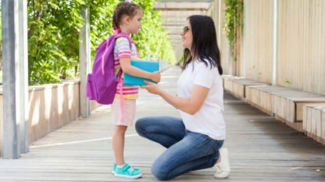 Sekolah Saat New Normal, Orangtua Harus Jelaskan COVID-19 ke Anak