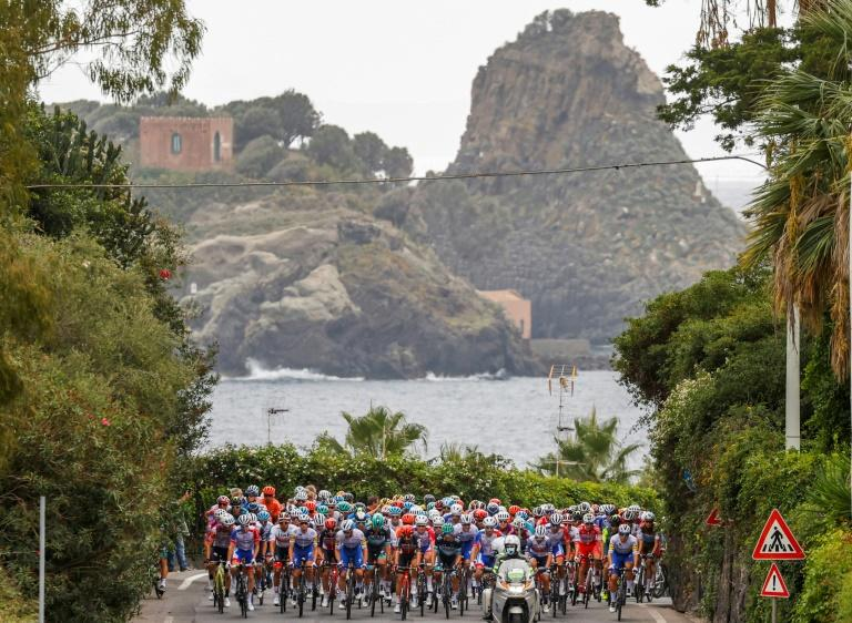 Low flying helicopter blamed for Giro accident