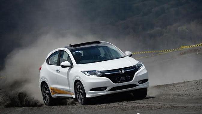 Honda HR-V sukses menggeser posisi Mobilio sebagai model terlaris Honda di Indonesia dalam kurun setahun terakhir.