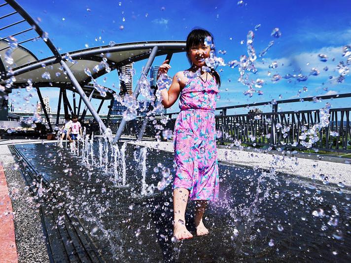 辰光橋高空戲水噴泉
