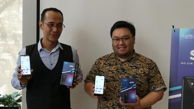 Country Manager Simo Indonesia Wisnu Adhi dan Marketing Manager Luna Indonesia Suryadi Willim. Liputan6.com/Agustinus Mario Damar