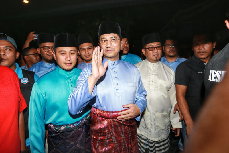 PKR deputy president Datuk Seri Azmin Ali arrives at the MITC for the PKR Women and Youth congress in Melaka December 5, 2019. — Picture by Yusof Mat Isa