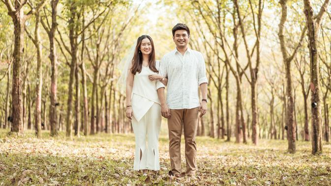 ilustrasi hubungan cinta/copyright By gowithstock from Shutterstock